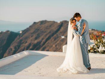 Новая информационно-консультационная  услуга о проведении торжественных бракосочетаний (гражданских и церковных) на самом красивом острове Греции - острове Санторини
