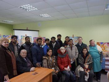 Наші індійські друзі в гостях у відомого майстра Павла Леонідовича