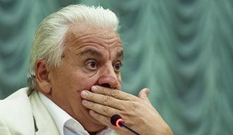 На борьбу с инакомыслием в федерации греков подключают уже бывших профсоюзных боссов