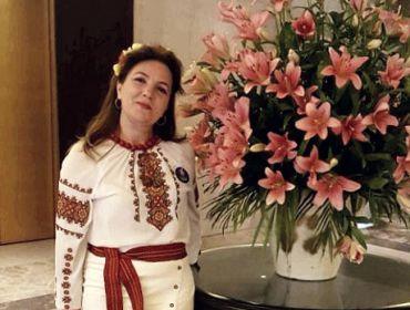Директор Директор Представительства Greek Group в Республике Индия Марина Акрам поздравляет с Новым 2021 годом